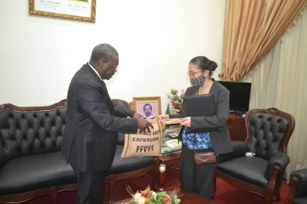 Aurevoir du MINEPIA à la représentante de la JICA au Cameroun